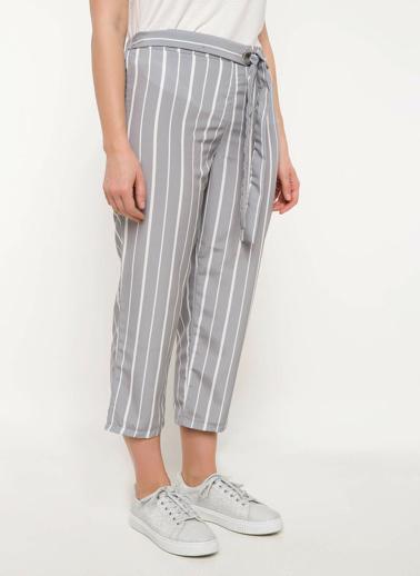 DeFacto Kuşak Detaylı Çizgili Pantolon Gri